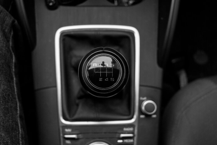 Classic six-speed manual transmission of an Audi