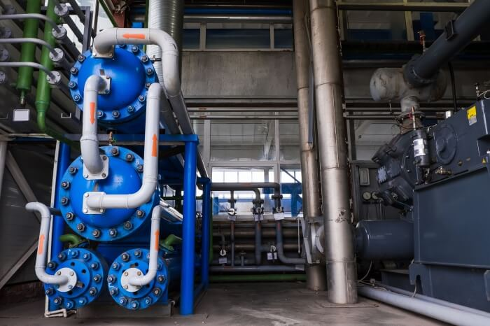 Heat transfer oil is required for the production of liquid oxygen