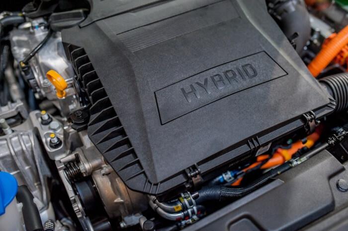 Hybrid engine of a car